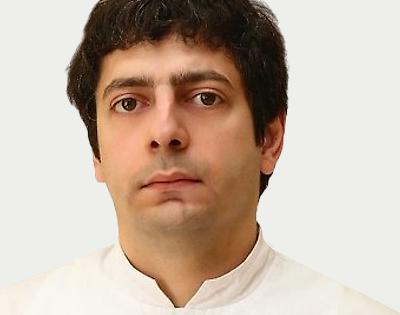 В нашей клинике ведет прием вертебролог Давтян Гарник Генрикович