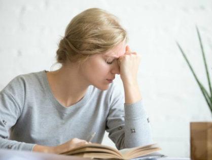 Почему болит голова по утрам?