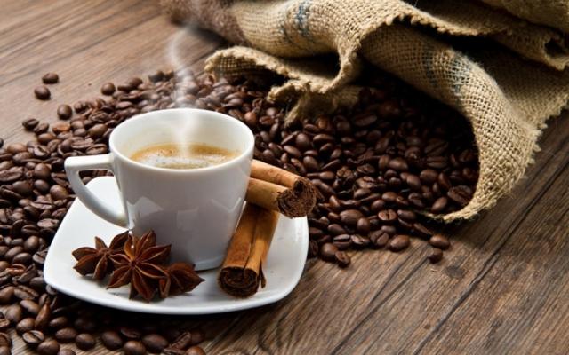 Можно ли пить кофе при высоком давлении и как правильно его пить