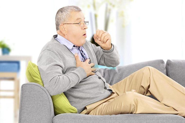 Одышка с приступами непродуктивного кашля и слабостью может говорить о бронхиальной астме (фото: du57cneppq1sd.cloudfront.net)