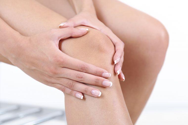 Слабость и боль в суставах всегда наблюдается при ревматизме (фото: www.vashortoped.com)