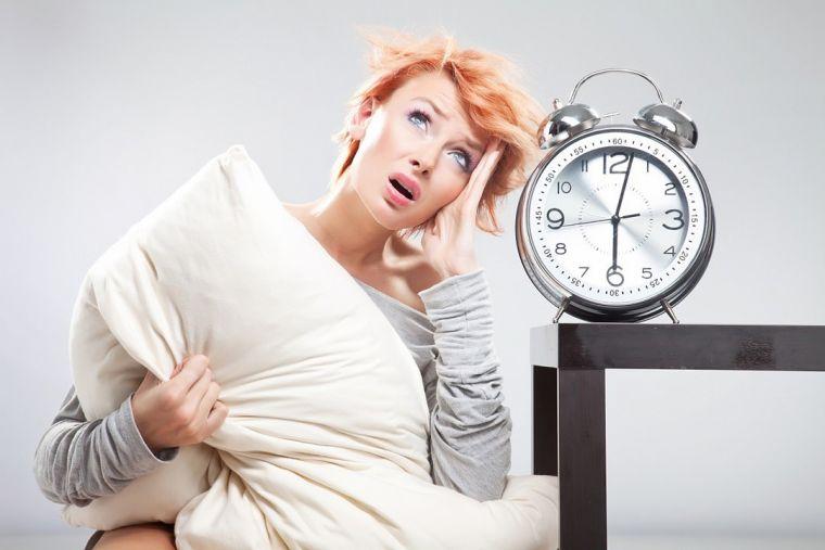 Полноценный сон крайне важен, чтобы справиться со слабостью по утрам (фото: liza4u.kz)