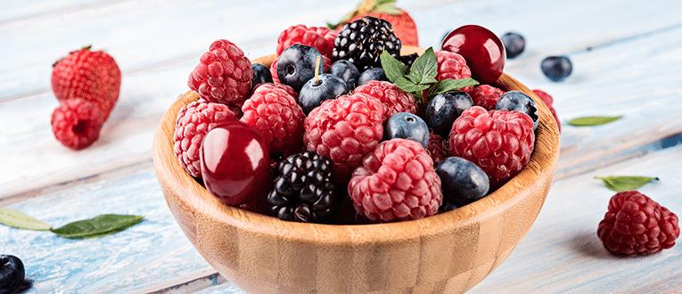 ягодная тарелка