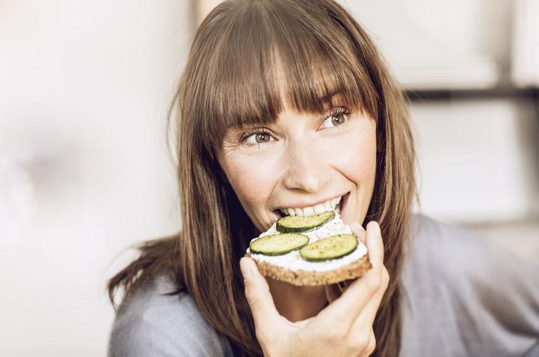 Интервальное голодание для похудения для женщин: схемы и описание