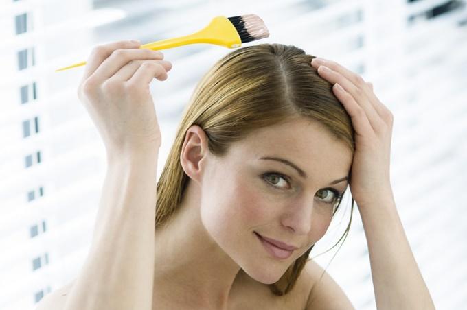 19 ошибок при самостоятельном окрашивании волос, которых легко избежать