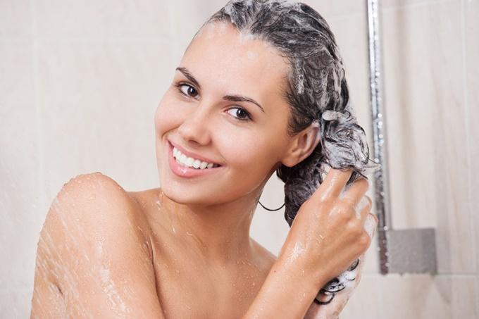 ты моешь окрашенные волосы шампунями от перхоти
