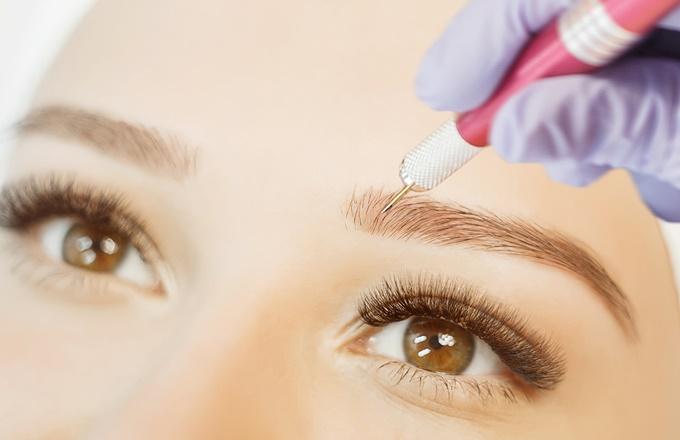 Уход за перманентным макияжем бровей сразу после процедуры