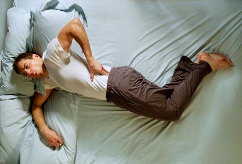 Боль в спине после сна - причины и лечение сильной боли в спине по утрам  после сна под лопатками или мышцах