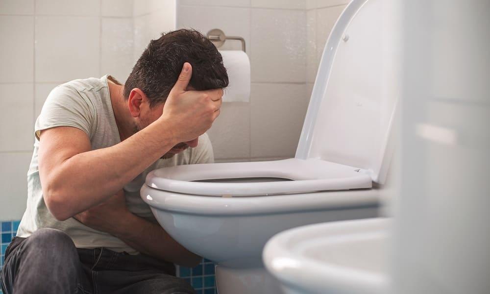Головная боль и рвота у взрослого. Причины боли головы и рвоты.